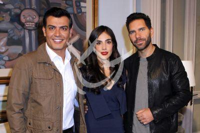 Sandra Echeverría con Arap y Andrés y más en La Usurpadora