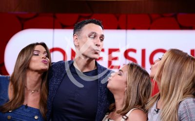 ¡Todas quieren un beso de Raoul Bova!