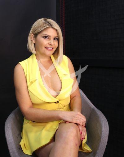 Itatí Cantoral es Silvia Pinal, Frente a ti