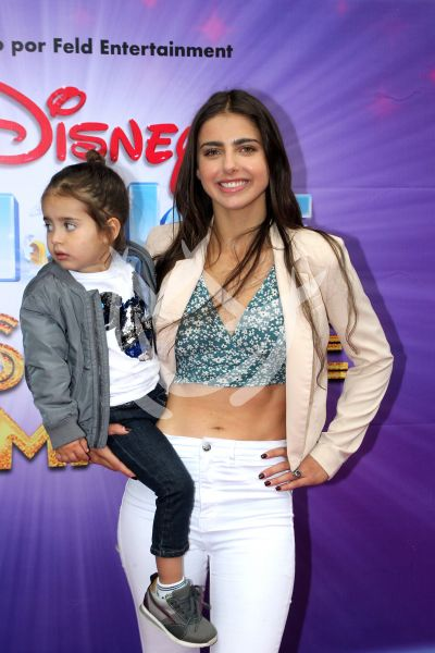 Michelle Renaud e hijo Marcelo