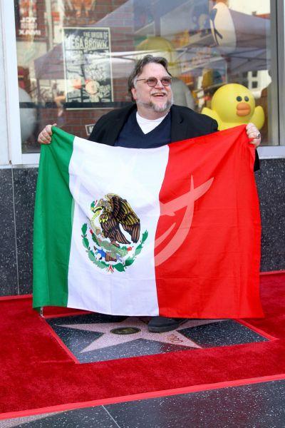 Guillermo del Toro tiene su Estrella en Hollywood