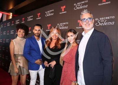 María Celeste con El Secreto de Selena