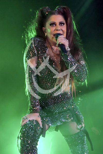 Alejandra Guzmán le canta a Frida Sofía en Mx