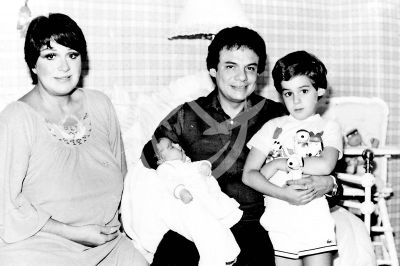 José José en familia 1982