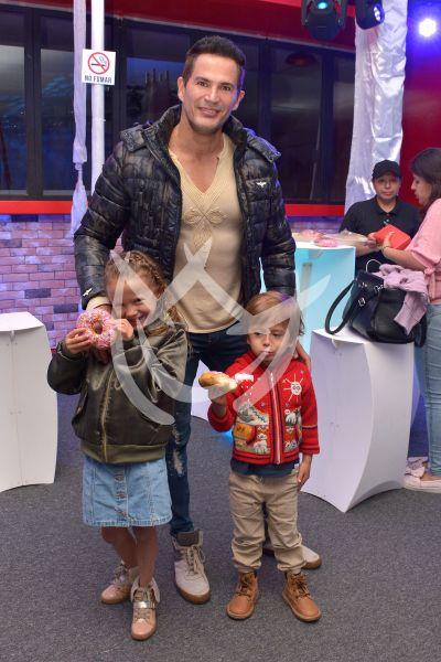 Julio Camejo e hijos de Crystal