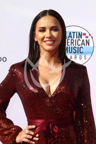 Ana Jurka en los Latin AMAs