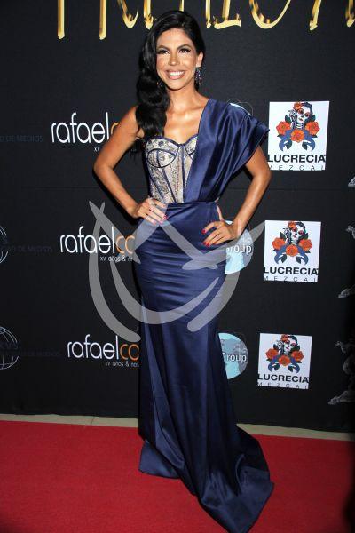África Zavala en Premios Arlequín