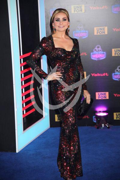 Elizabeth Álvarez en Premios Bandamax