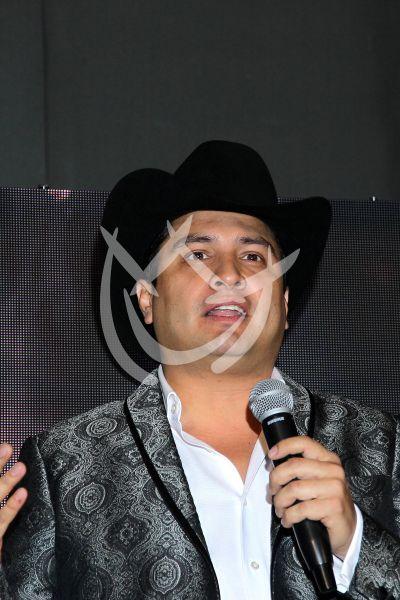 Julión Álvarez celebra sus 13 de gira
