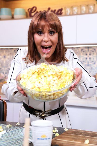 Alejandra Guzmán pop corn en UND