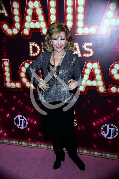 Aida Pierce de a mil en La Jaula De Las Locas