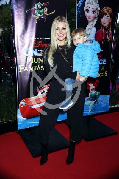Marjorie de Sousa e hijo Matías