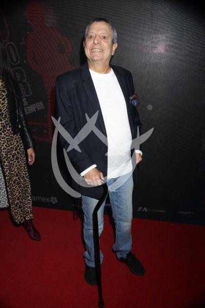 César Bono en Hoy No Me Puedo Levantar