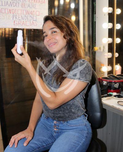 Majida Issa en maquillaje