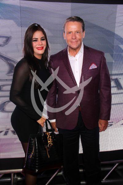 Alfredo Adame con novia y más en Fiebre De Sábado Por La Noche