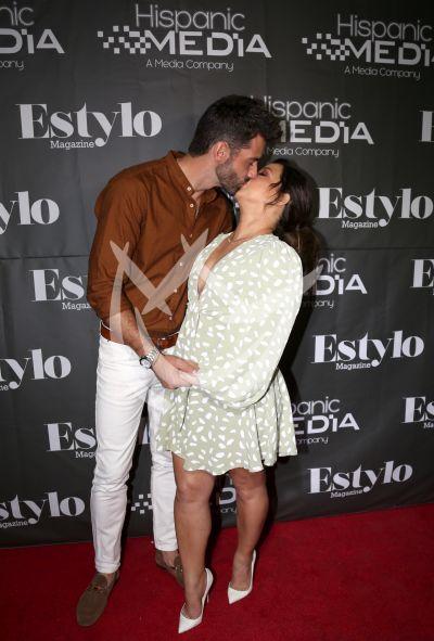 Adamari López con Toni Costa y familia con Estylo