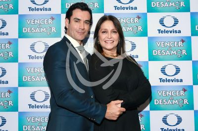 David Zepeda y Daniela Romo vencen el Desamor
