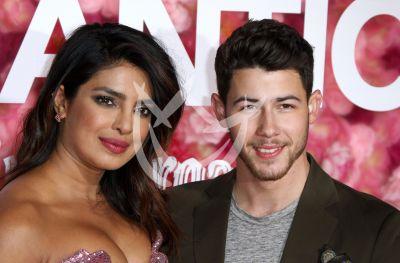 Priyanka Chopra y Nick Jonas de premiere