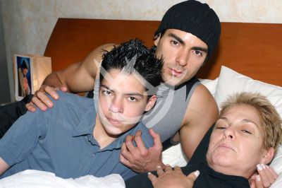 Lupita D'Alessio con hijos Ernesto y César