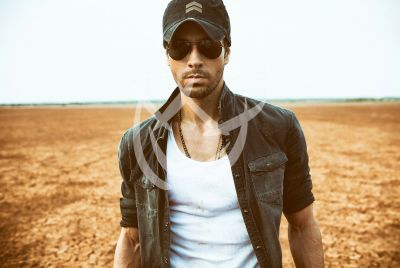 Enrique Iglesias con Sex and Love
