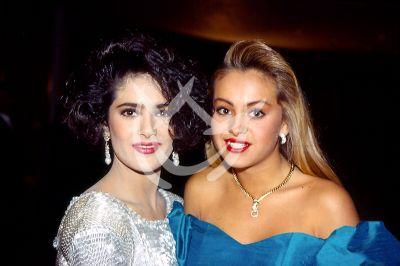 Salma Hayek y Paulina Rubio 1989