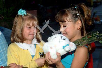 TBT Daniela Aedo y Danna Paola 2002 ¡Happy Birthday!