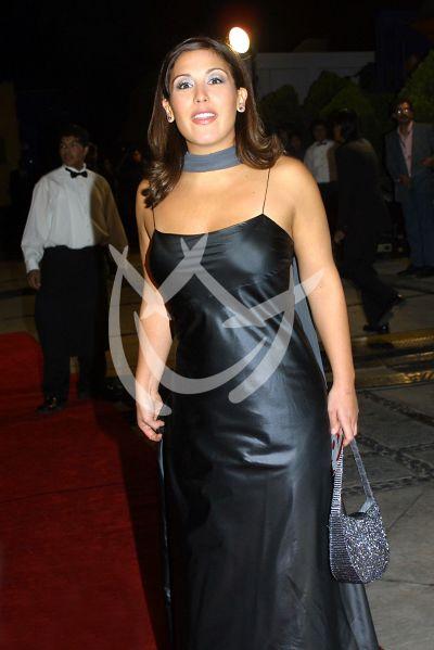 Angélica Vale en Premios Tv y Novelas 2001