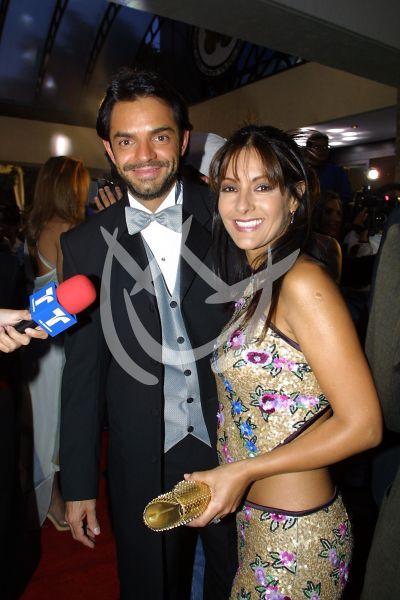 Eugenio Derbez y Sara Bustani en Premios TvyNovelas 2001