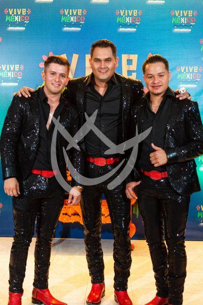 Banda Los Recoditos dice ¡Vive México!