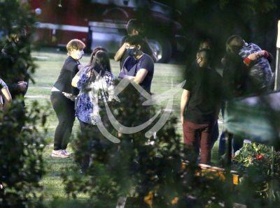 Familia y amigos despiden a Maradona