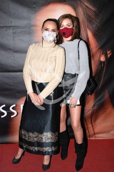 Mayra Rojas e hija a la moda