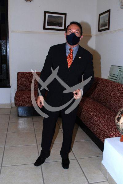 Marcos Valdés con Forjadores de México