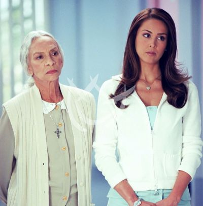 Josefina Echánove y Jacqueline Bracamontes, 2004