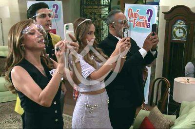 ¿Qué Le Pasa A Mi Familia?, elenco