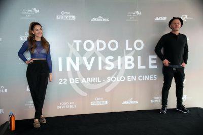 Bárbara Mori y Ari Brickman sienten Todo Lo Invisible