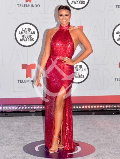 Alix Aspe en los Latin AMAs 2021