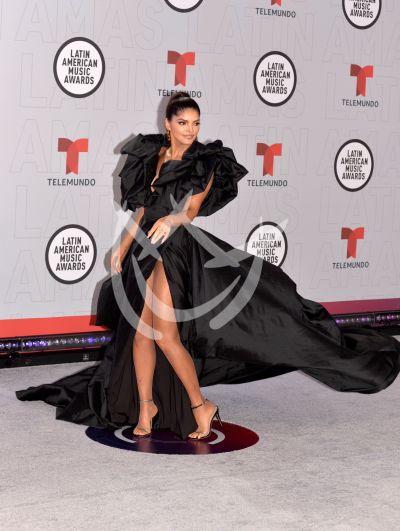 Ana Bárbara en los Latin AMAs 2021