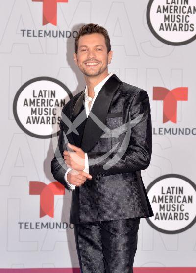 Freddy Lomelí en los Latin AMAs 2021
