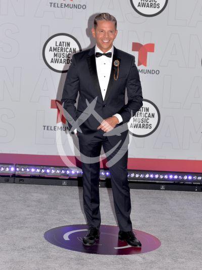 Rodner Figueroa en los Latin AMAs 2021