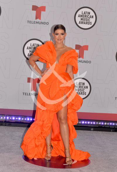 Vanessa Claudio en los Latin AMAs 2021