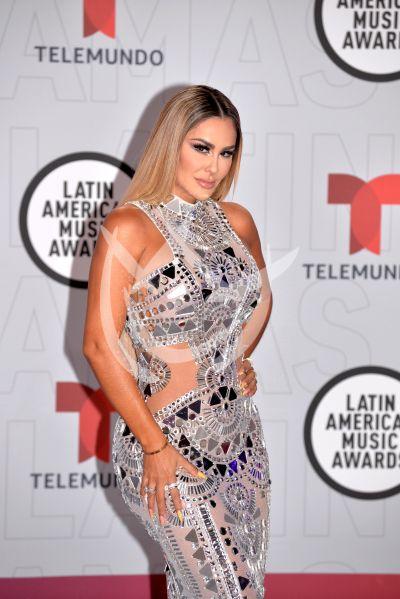 Ninel Conde y más en los Latin AMAs 2021