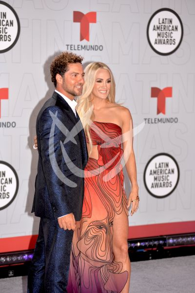 David Bisbal y Carrie Underwood los Latin AMAs 2021