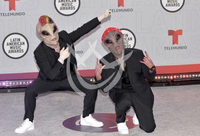 Jowell y Randi en los Latin AMAs 2021