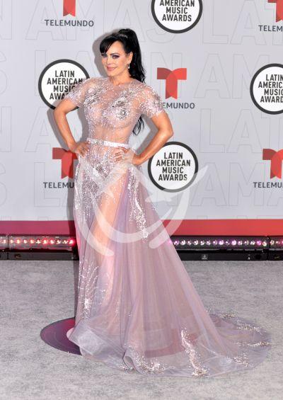 Maribel Guardia y más en los Latin AMAs 2021