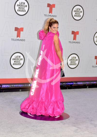 Sabrina Seara en los Latin AMAs 2021