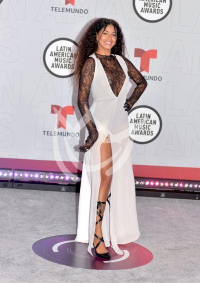 Yendry en los Latin AMAs 2021