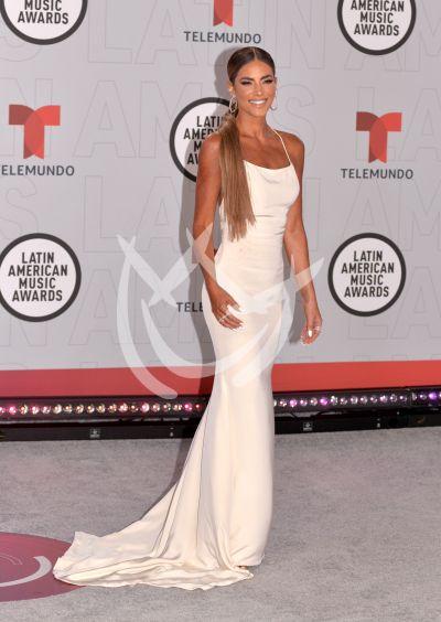 Gaby Espino en losLatin AMAs 2021