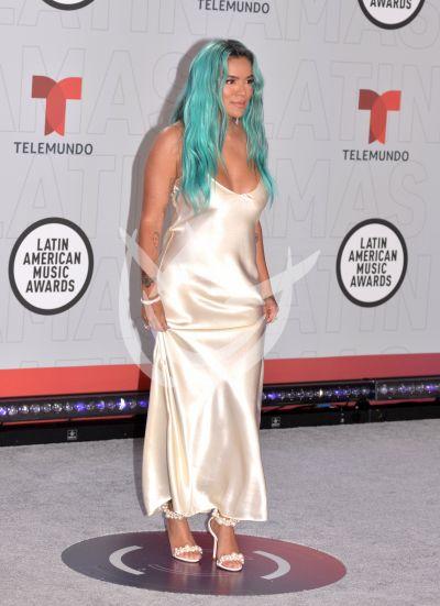 Karol G en los Latin AMAs 2021