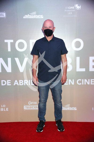 Ari Brickman en Todo Lo Invisible