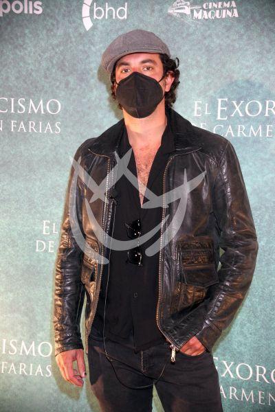 Juan Pablo Castañeda en El Exorcismo De Carmen Farías